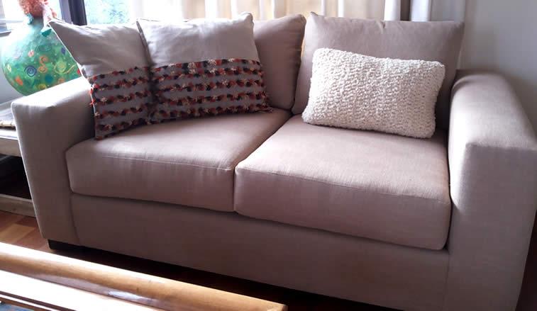 Tapizado de sillones y sofa en linos todo linos for Sofas y sillones de diseno